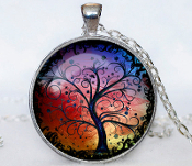 "TREE OF LIFE PENDANT NECKLACE. Silver plated pendant diameter is 30 mm, silver plated necklace chain is 24"". Box included."